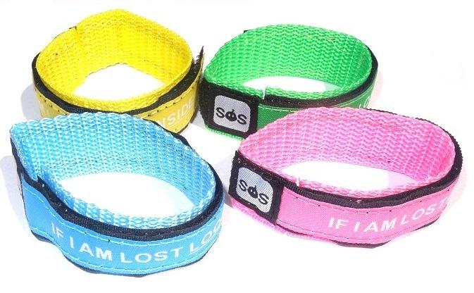 Sos polsbandje voor kinderen met klittenbandsluiting 4 kleuren