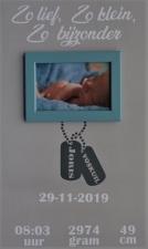 Geboortebord dogtags 30 x 50 diverse kleuren met fotolijstje