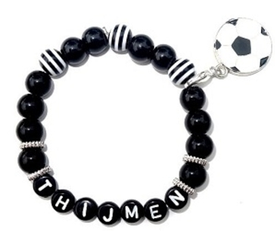"Kindersieraden: jongens armband met naam model ""black and white"""