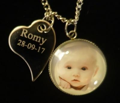 Medaillonhanger RVS met babyfoto & hartje nieuw
