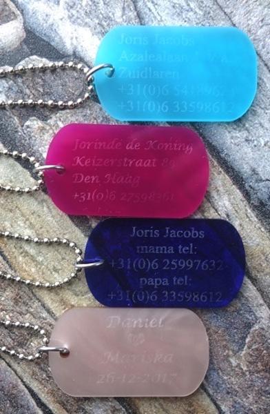 Identiteitsplaatje plexiglas gegraveerd leuke kleuren verkrijgbaar