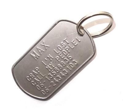Dogtag naam groot lettertype incl. sleutelringsetje en silencer € 6,95