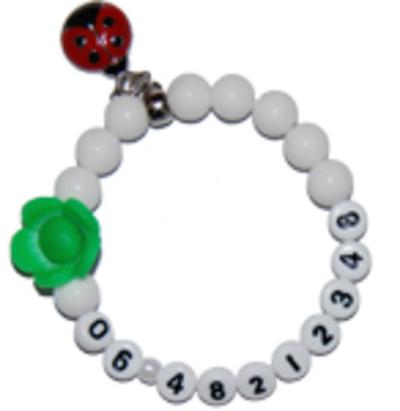 "SOS armband jade wit ""tevredenheid"""