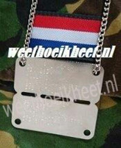 Dutch Army Tag origineel bovenste/onderste helft dezelfde tekst actie nu met gratis bottle opener